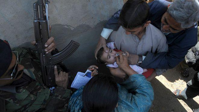 У Пакистані за відмову від вакцинації дітей батькам загрожує в'язниця