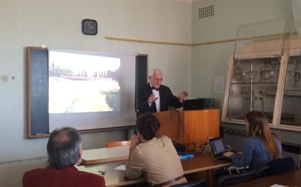 Фотозвіт з міжнародного наукового семінару, присвяченого вірусу шарки сливи
